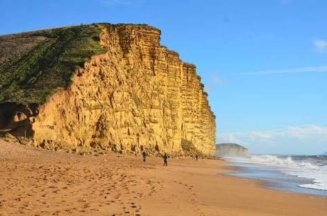 jurassic-cliffs